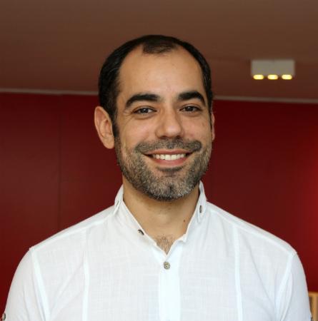 Dr. Rodrigo López B.