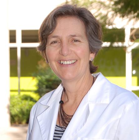 Dra. Philippa Moore