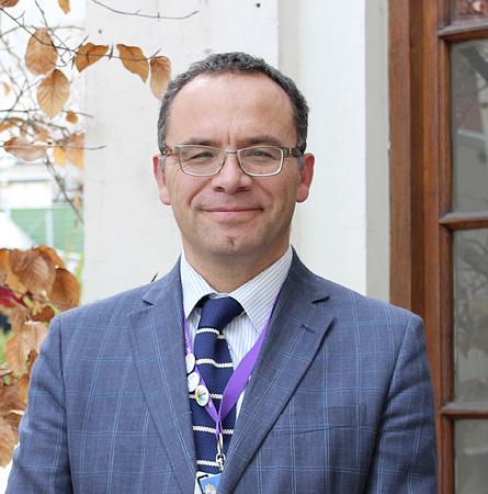 Dr. Jaime Santander T.