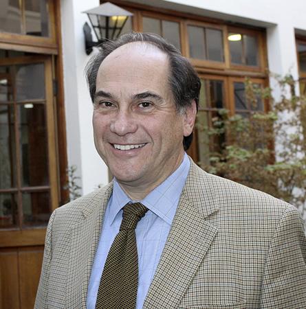 Dr. Rafael Torres B.