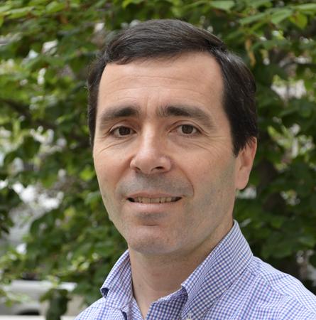 Dr. Matías González T.