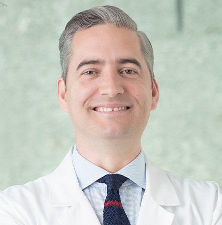 Dr. Arturo Grau D.